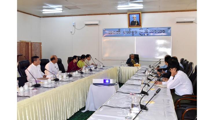 အဂတိလိုက်စားမှုတိုက်ဖျက်ရေးကော်မရှင်ဥက္ကဋ္ဌ ဦးအောင်ကြည် အပြည်ပြည်ဆိုင်ရာငွေကြေးရန်ပုံငွေအဖွဲ့မှ 2019 IMF Article IV Consultation Mission မှ Mission Chief Mr. Shanaka Jayanath Peiris နှင့်အဖွဲ့အား လက်ခံတွေ့ဆုံ